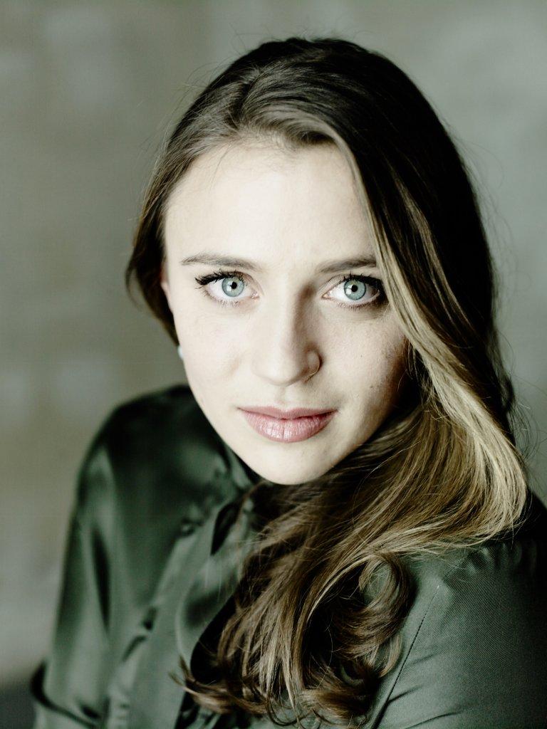 Esther Dierkes, portrait, 2018, ©Matthias Baus