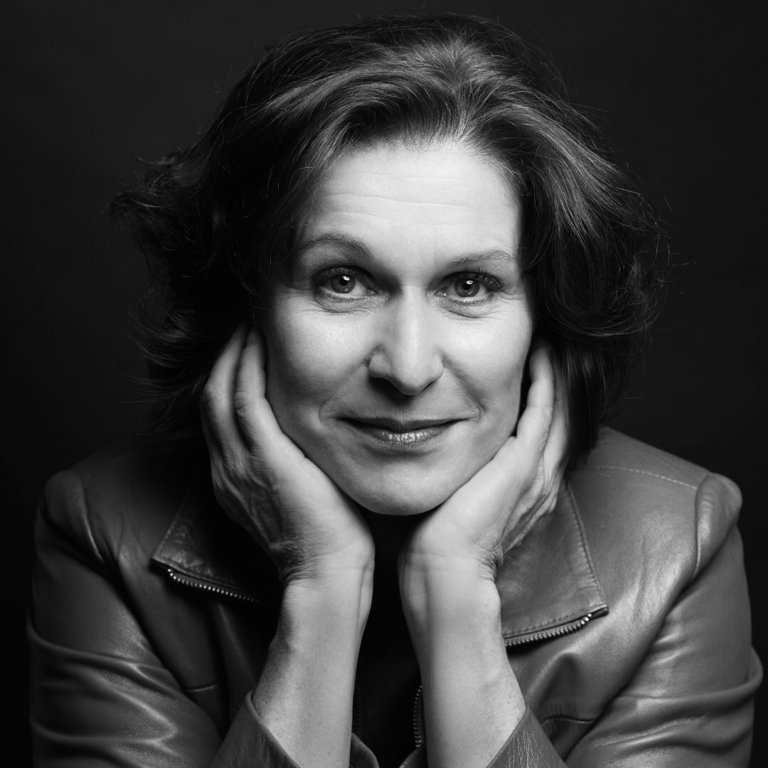 DORIS LAMPRECHT sings Mary in Der fliegende Holländer in Rennes, Angers & Nantes