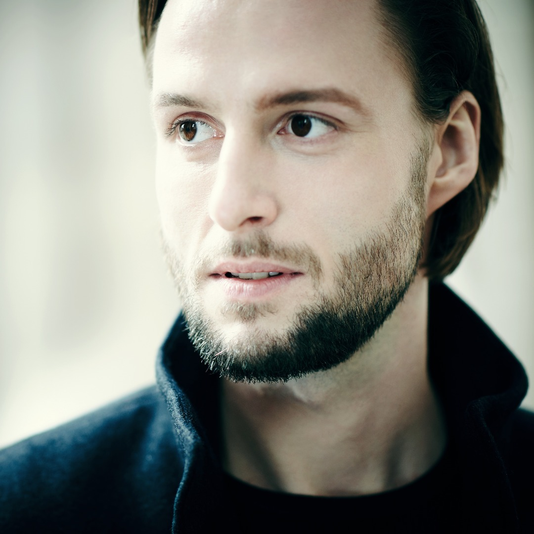 BJÖRN BÜRGER debut as Posa in Don Carlos in Stuttgart