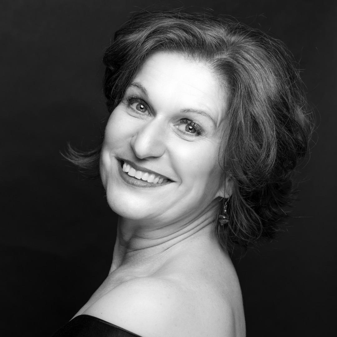 DORIS LAMPRECHT chante Madame de la Haltière dans Cendrillon à Nancy